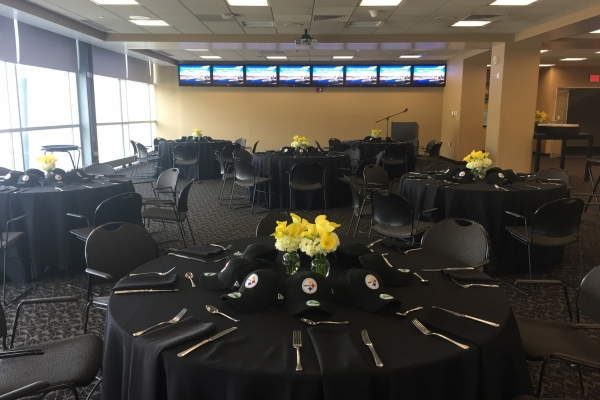 book-an-event_press-box-dining-room_02