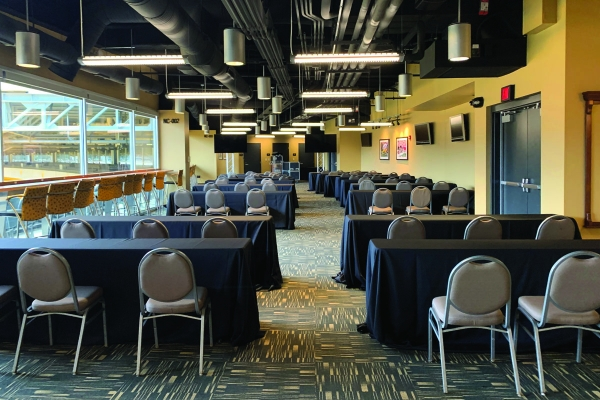 North-Club-Lounge-at-Heinz-Field-10