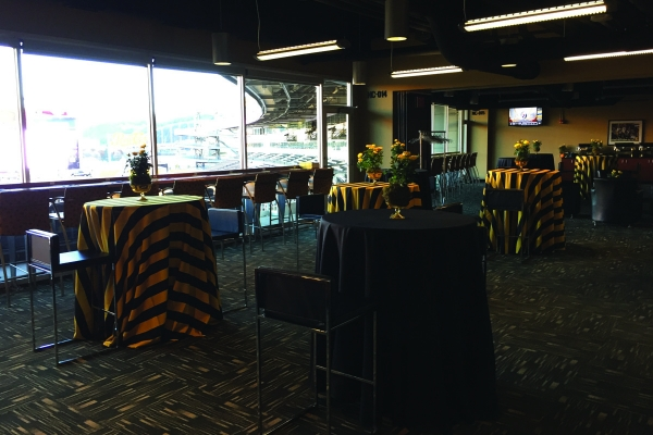 North-Club-Lounge-at-Heinz-Field-11