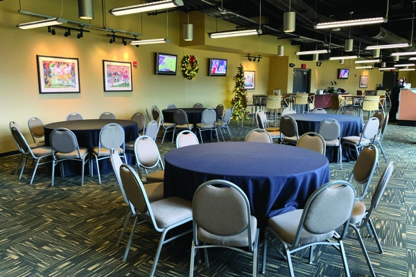 North-Club-Lounge-at-Heinz-Field-17