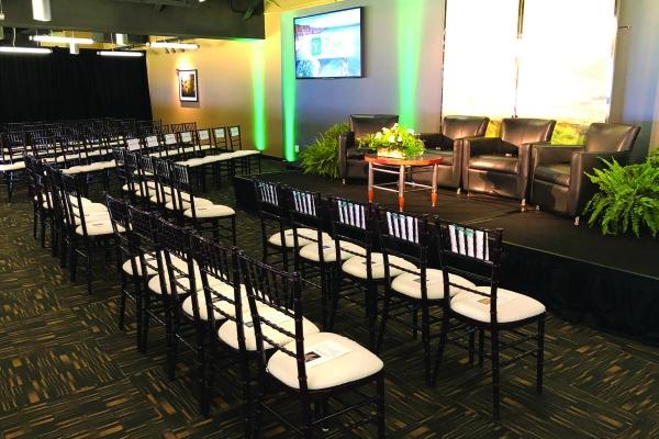 North-Club-Lounge-at-Heinz-Field-6