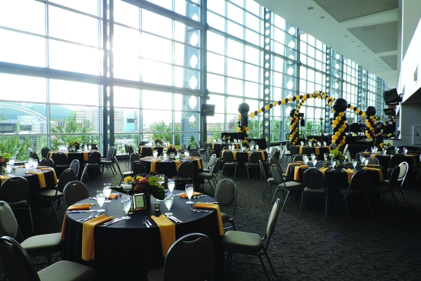 West-Club-at-Heinz-Field-19